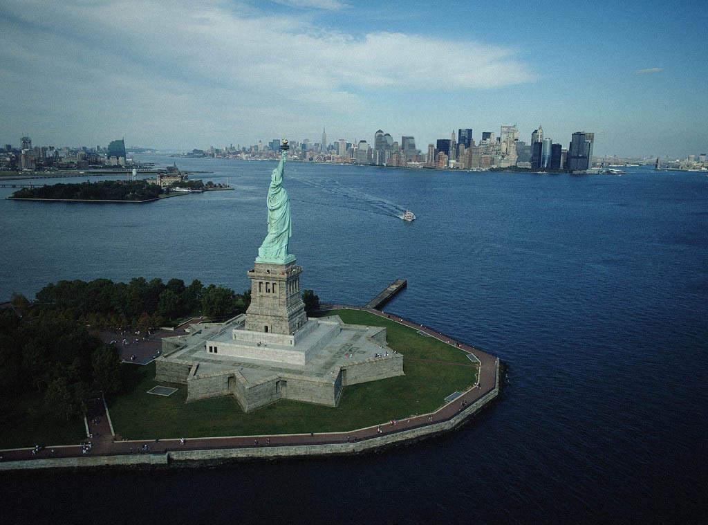 Сша статуя свободы с зади