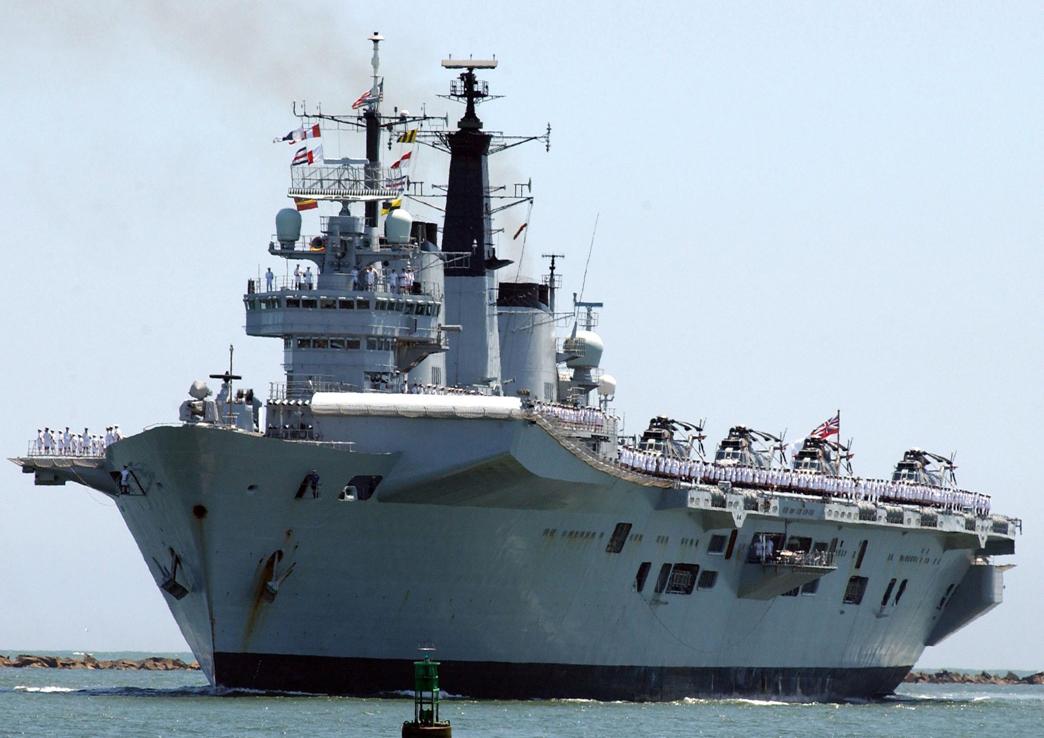 военный корабль кинг бонд лайм выставлен на продажу