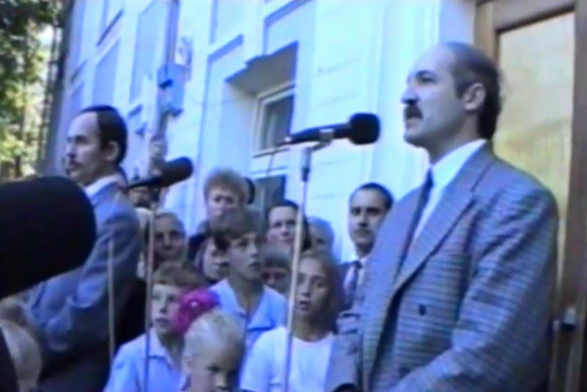 Лукашенко на митинге после объявления результатов первых выборов в Беларуси