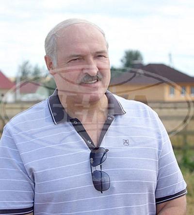 Белорусский президент засветился на полях в маечке-поло Corneliani за 766 тысяч рублей