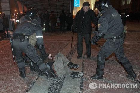 Белорусская революция, о начале которой объявили оппозиционеры, продолжалась всего несколько часов и оказалась неудачной