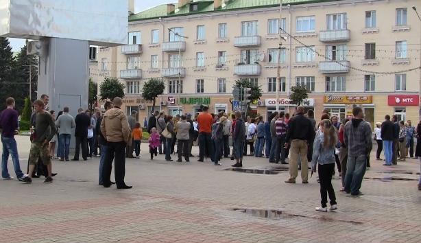 На третьей молчаливой акции в Барановичах впервые были аплодисменты