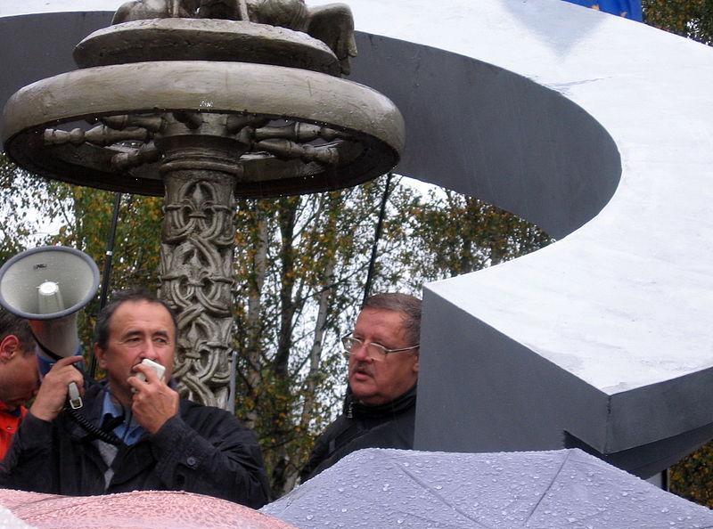 Выступление организаторов. Геннадий Федынич (слева) и Виктор Ивашкевич (справа)
