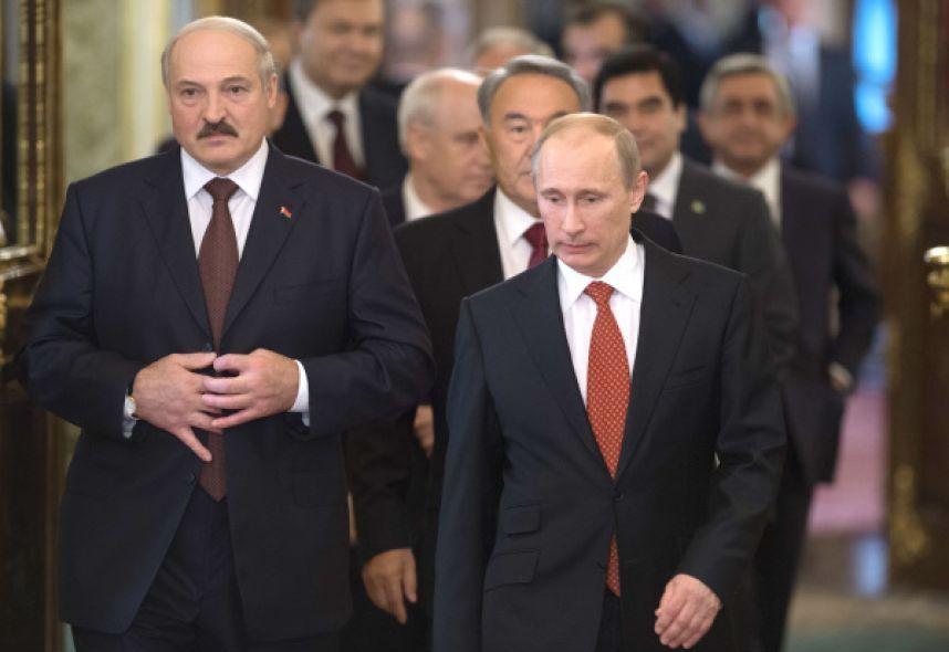 Первый международный визит в должности президента Владимир Путин нанесет президенту Белоруссии