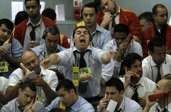 Паника влияет на волатильность