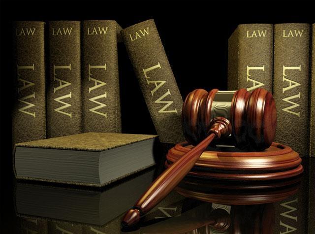 правом принятия законов обладает государство