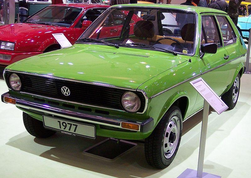 2.45. VW Polo LS I 1977 green vl TCE