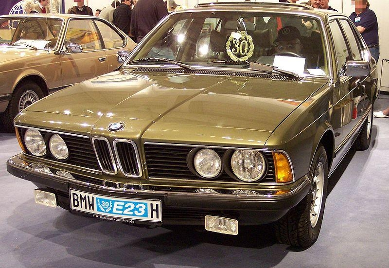 8.24. BMW E23 vl green TCE